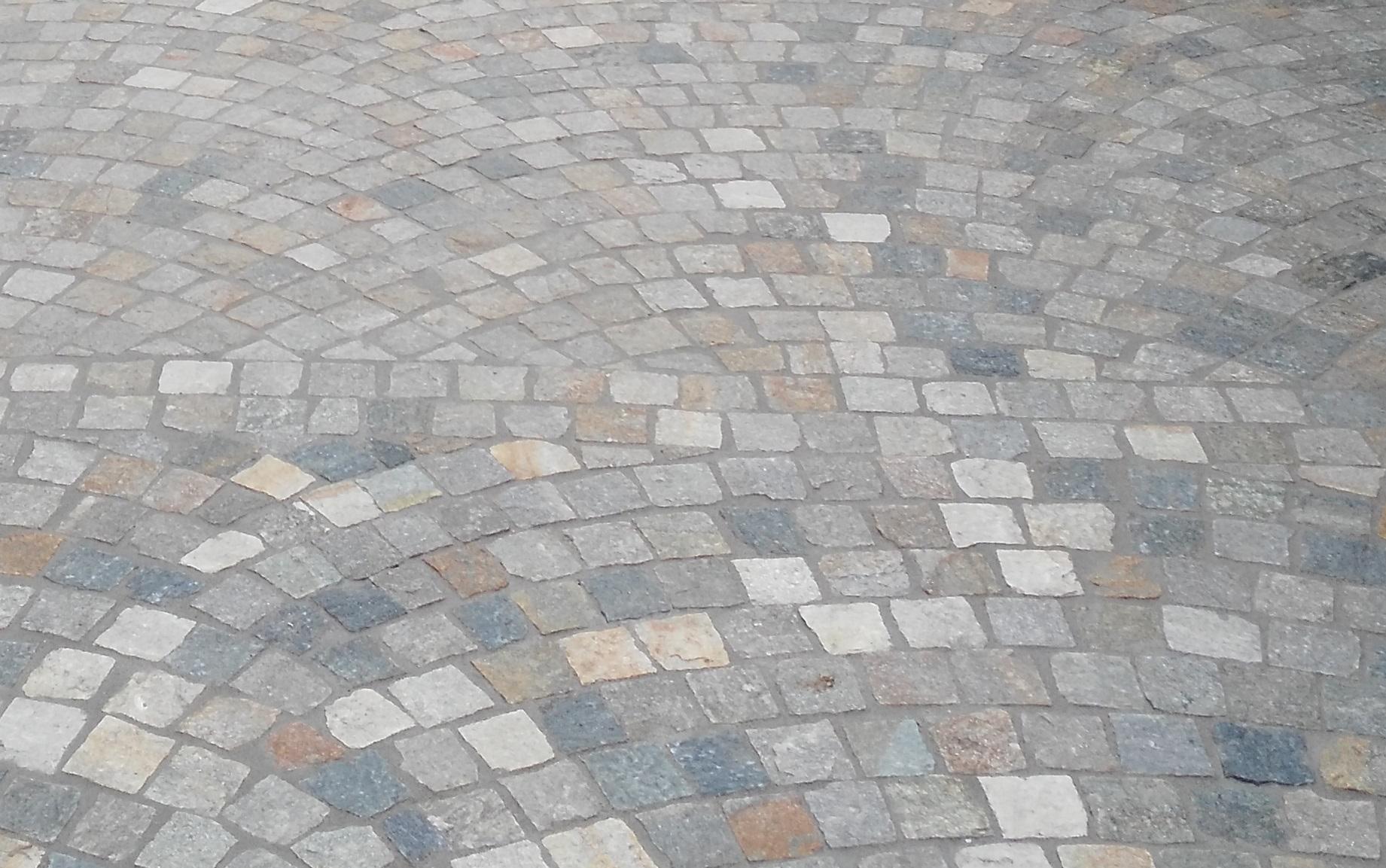 Pavimentazione per esterni cubetti luserna ciottoli di fiume srl