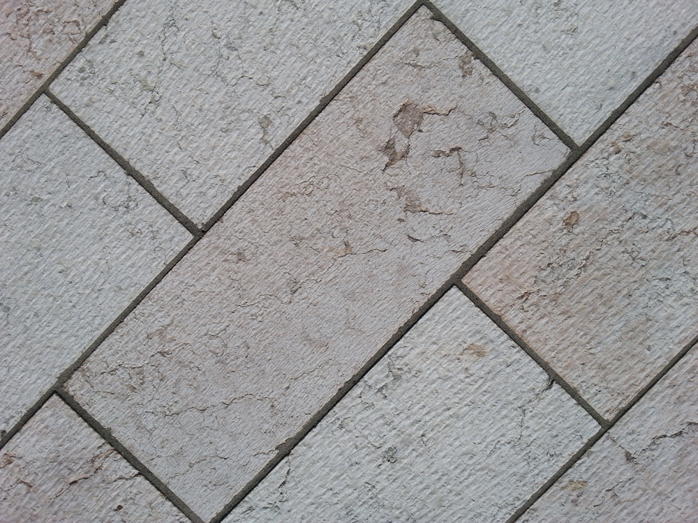 Pavimentazione per esterni piastrelle in pietra della lessinia ciottoli di fiume srl - Piastrelle di pietra per esterni ...