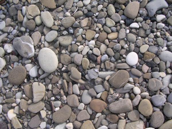 Ciottoli di fiume segati pavimenti per esterni for Sassi piatti per giardino