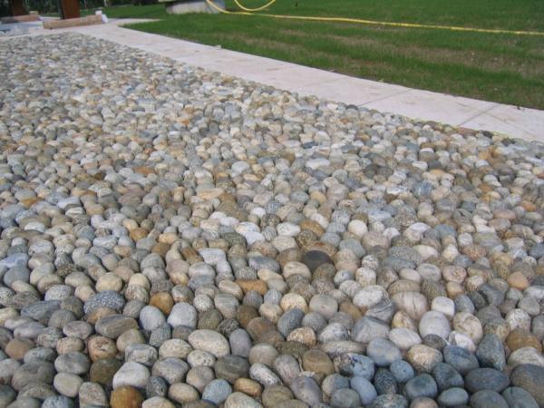 Ciottoli di fiume segati pavimenti per esterni for Sassi finti per esterno
