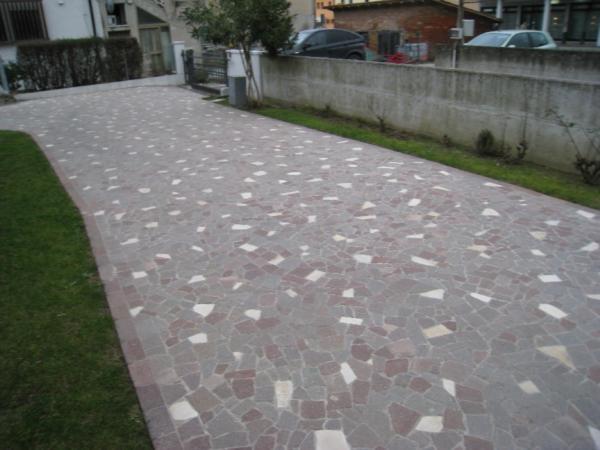 Pavimenti per esterno pavimenti per esterni - Pavimentazione giardino in pietra ...