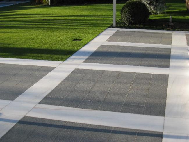 Pavimentazione per esterni porfido fiammato grigio verde