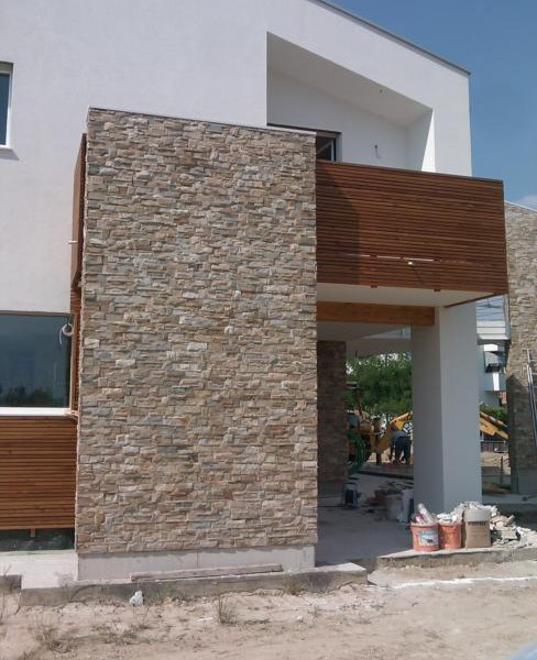 Pavimentazione per esterni rivestimento parete ciottoli di fiume srl - Rivestimento esterno casa ...